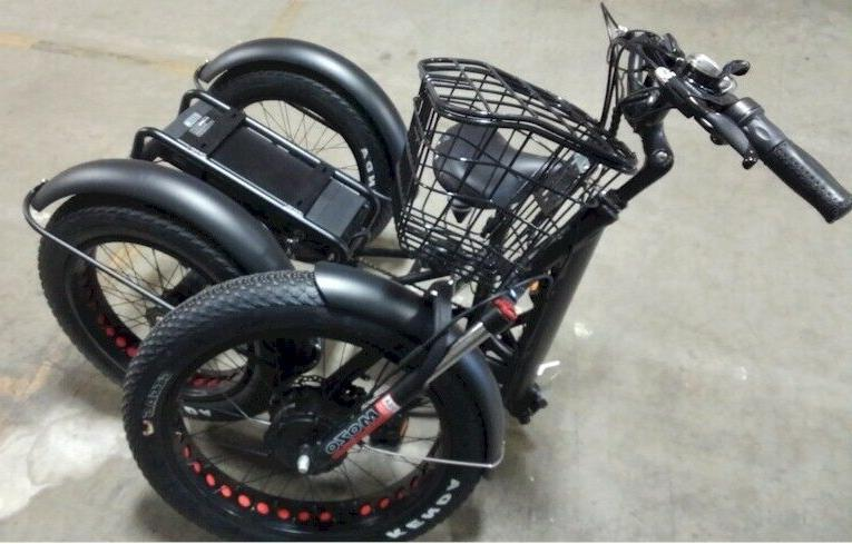 Folding Tire Tricycle, moped scooter with tires in RED